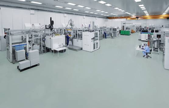 Injection molding, assembly and testing in clean room according to ISO 14644-1 ISO class 8 in Pfreimd, Germany